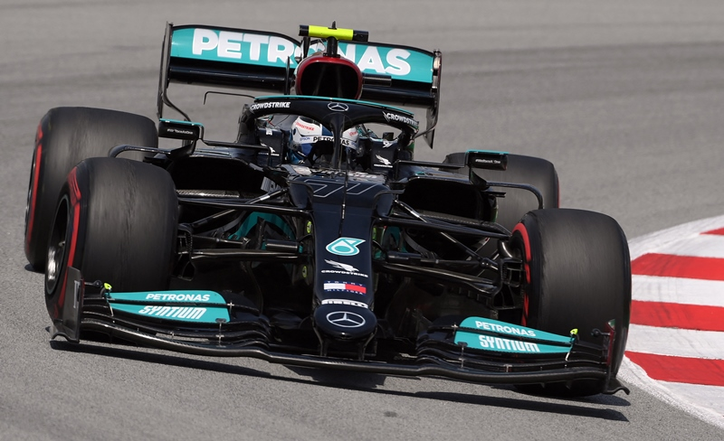 Bottas marca el paso en primera sesión de ensayos en pista de Montmeló