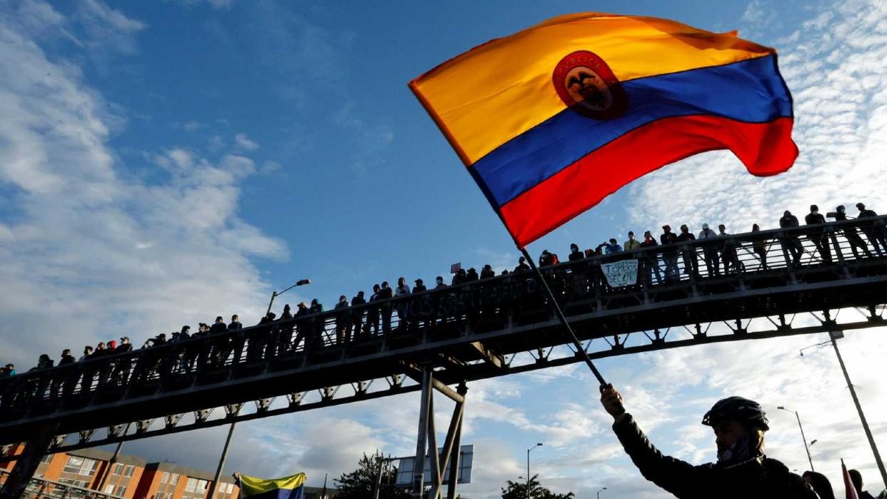 Miles de manifestantes exigen la renuncia de Iván Duque en tercera jornada de paro nacional