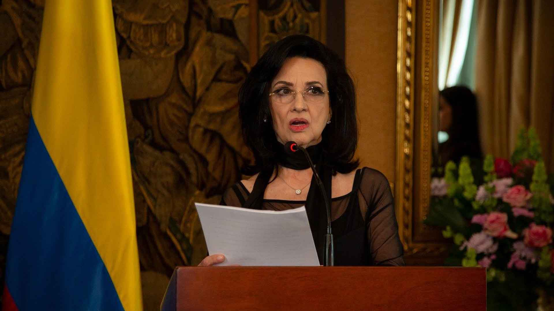 Canciller de Colombia Claudia Blum presentó su renuncia