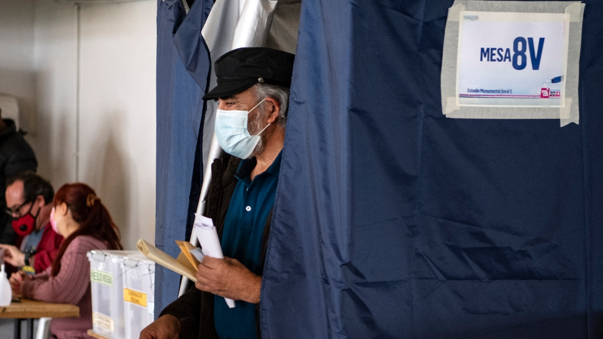 Chile cierra primera jornada electoral con 19% de participación
