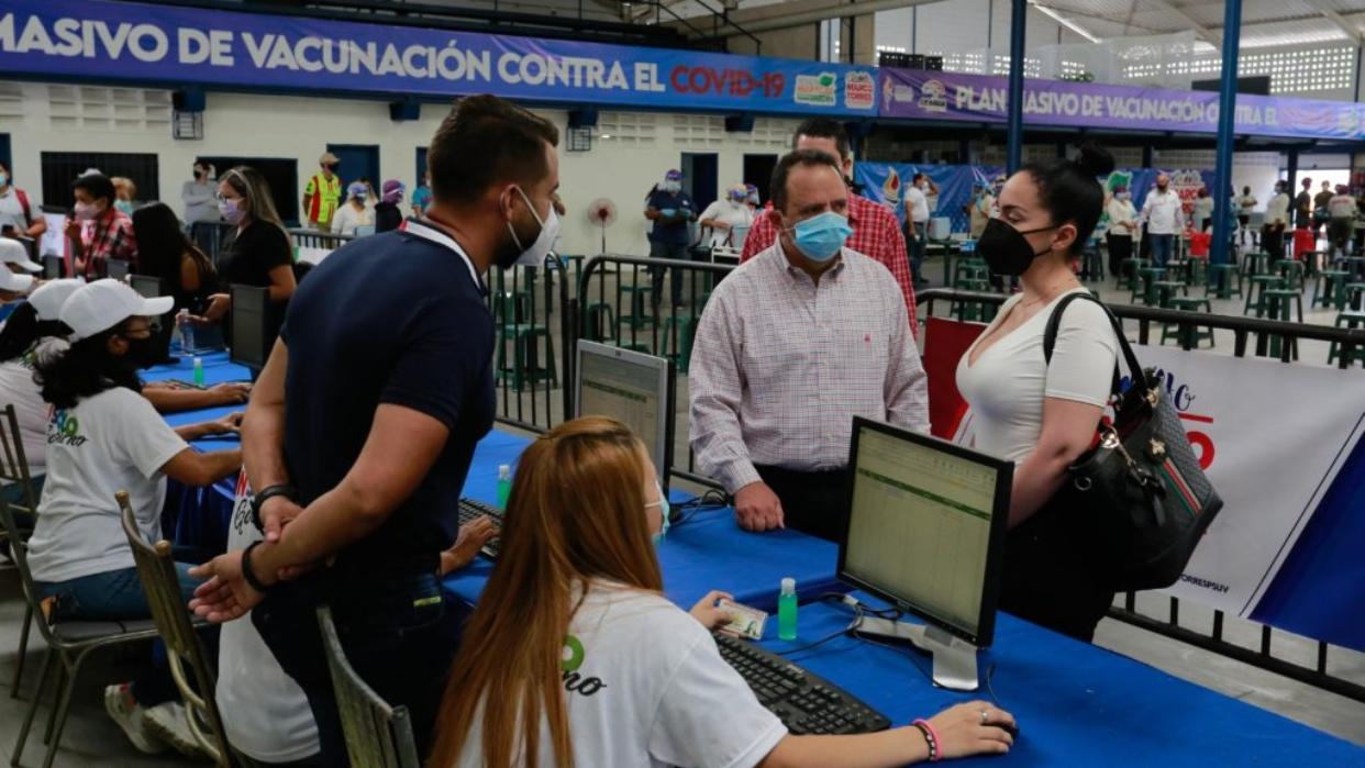 Gobernador de Aragua activa centro de vacunación contra Covid-19 para personal sanitario