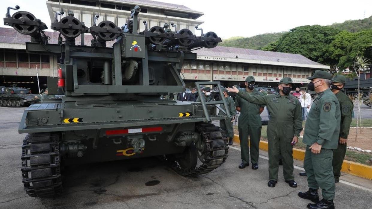 Fotos: Revelan detalles del tanque multicañón de Venezuela
