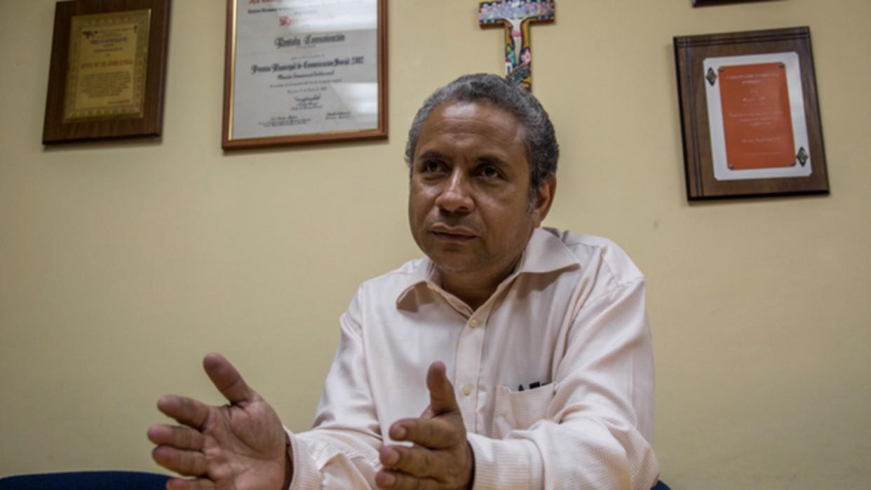 Padre Alfredo Infante: La población de La Vega no puede seguir siendo un escudo humano
