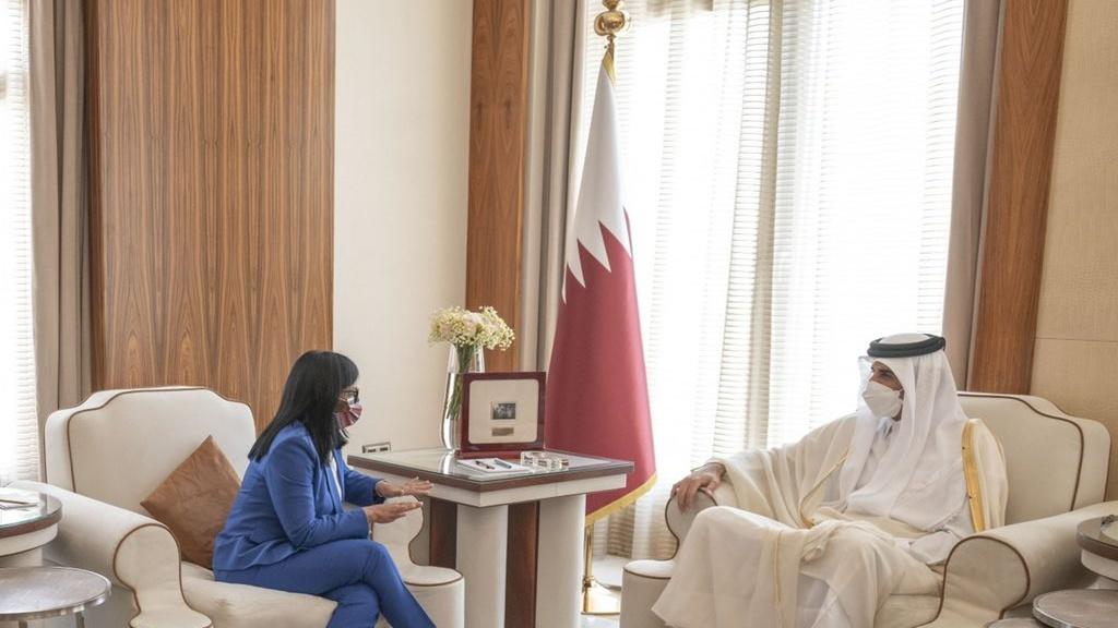 Vicepresidenta Rodríguez da inicio a visita oficial a Qatar para fortalecer cooperación bilateral