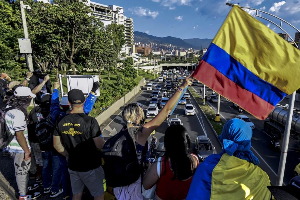 Colombia se asoma a una espiral de violencia a un año de las elecciones