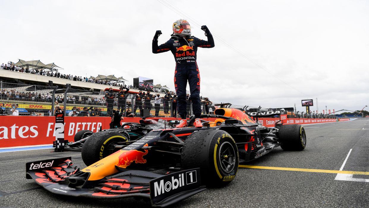Max Verstappen gana de manera extraordinaria el Gran Premio de Francia