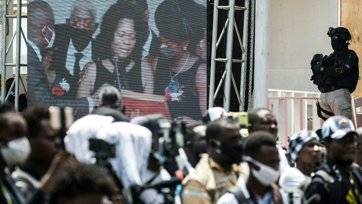 Haití se despide del asesinado presidente en medio de tensiones