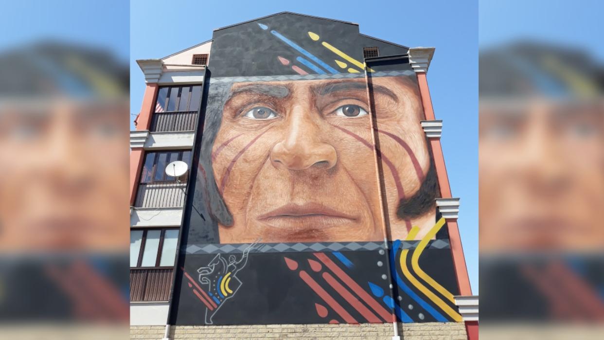 Exhiben mural en Italia para conmemorar 238 años del natalicio de Simón Bolívar