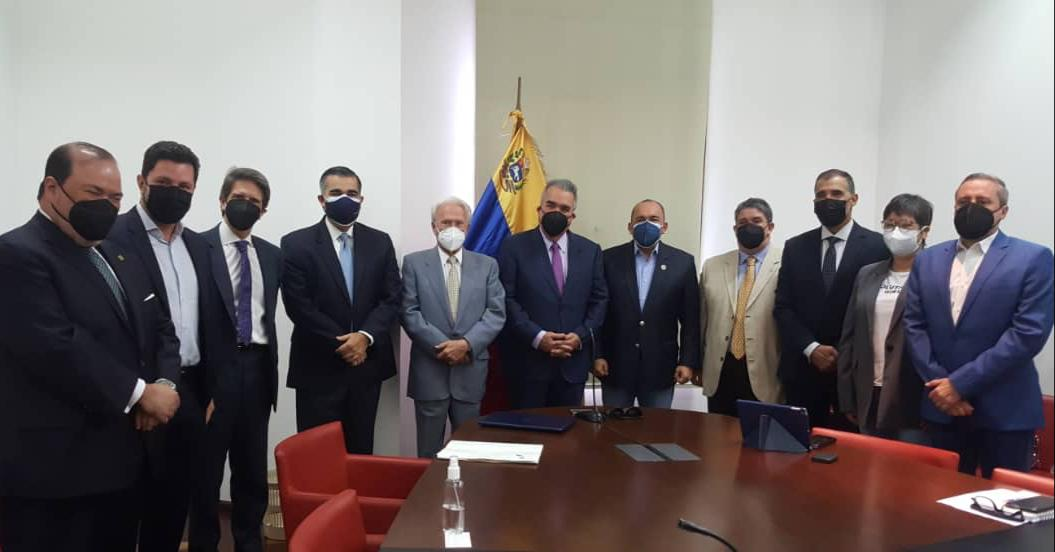 Luis Eduardo Martínez: Urge convertir a la banca y al mercado de valores en motor para la recuperación económica de Venezuela