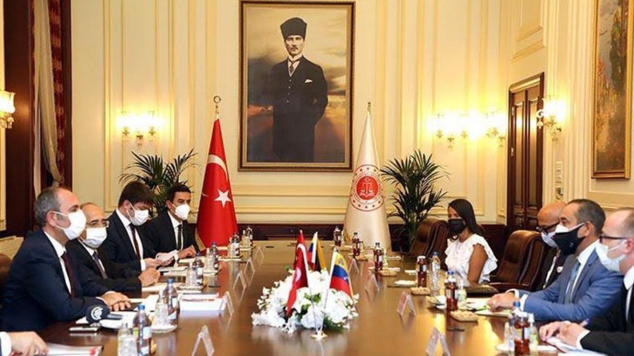 Presidente del TSJ se reunió con el Ministro de Justicia de la República de Turquía