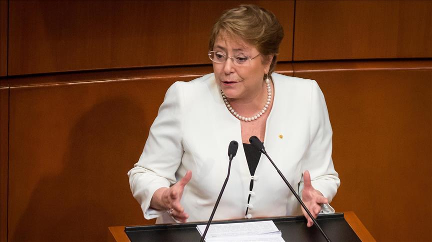 Bachelet pide una revisión