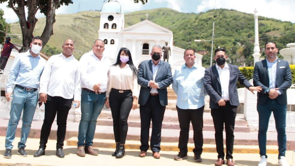 Luis Eduardo Martínez: Pata Piche y El Gordo