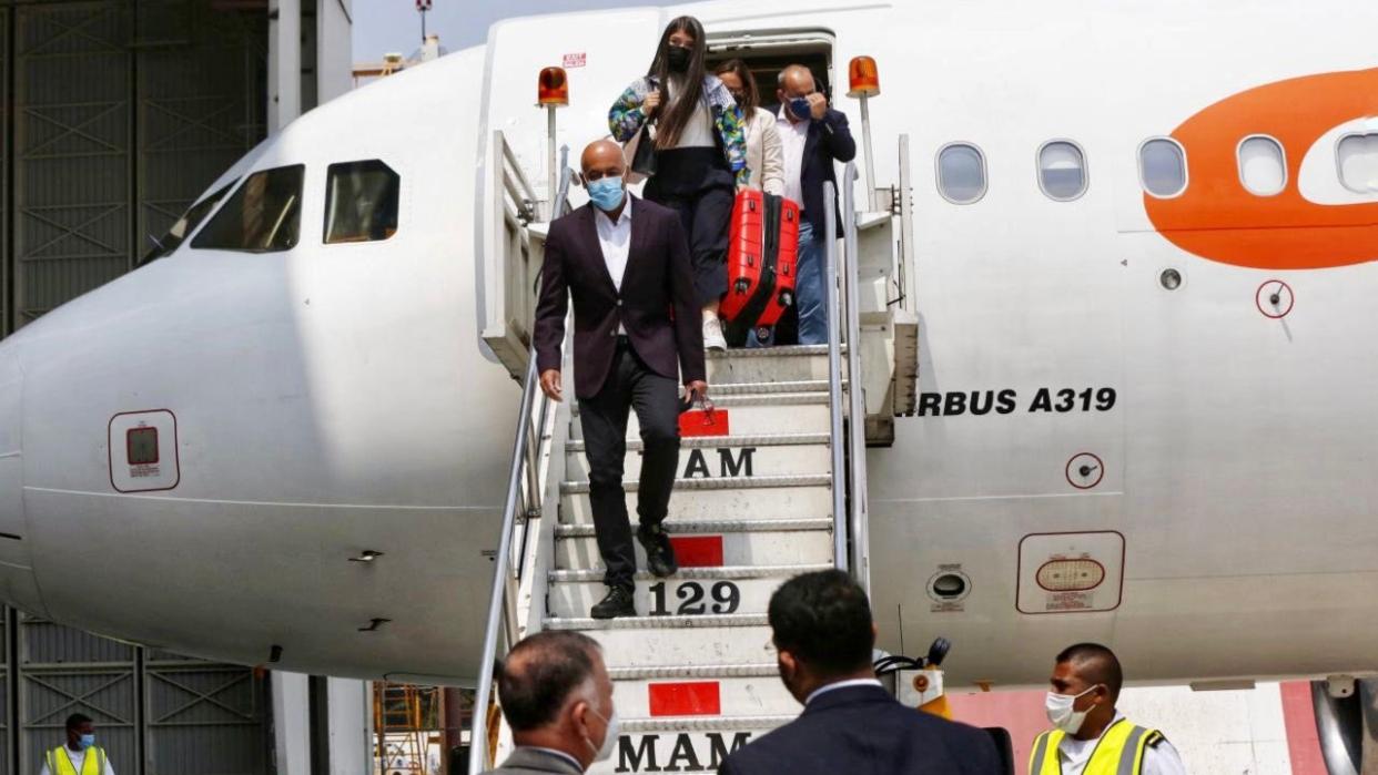 Delegación del Gobierno venezolano arriba a México para retomar diálogos