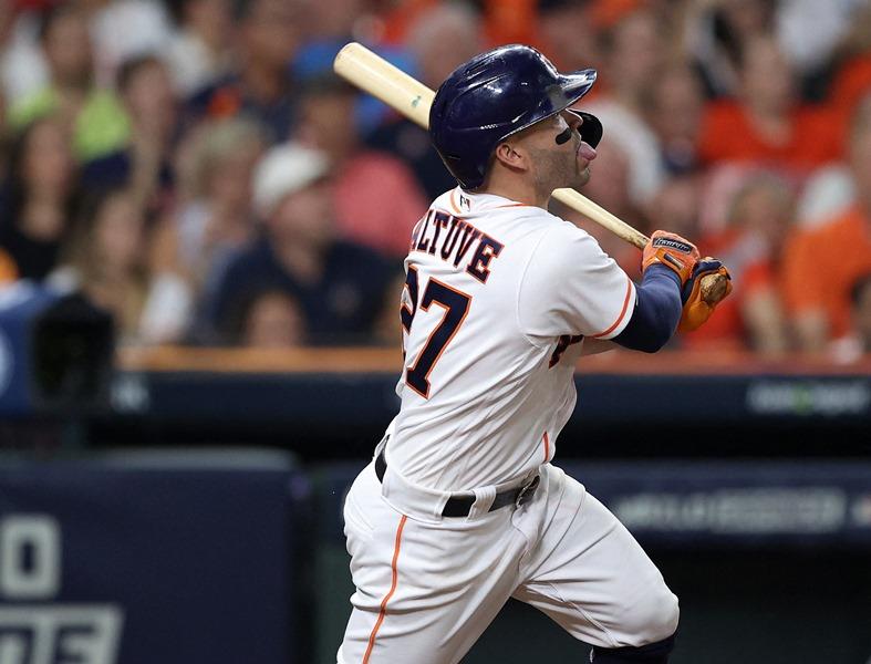 Altuve impulsa a los Astros en inicio del Campeonato de la Liga Americana