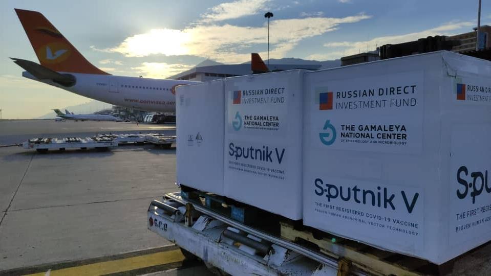 430.000 nuevas dosis de vacuna Sputnik-V llegan este lunes al país