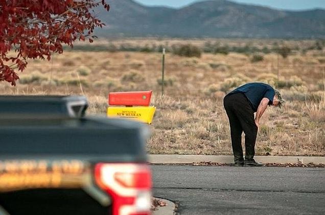 Investigación sobre el tiroteo de Baldwin se centra en la custodia del arma