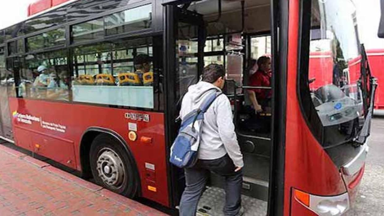 Gobierno habilita transporte gratuito para estudiantes hasta el 31 de diciembre