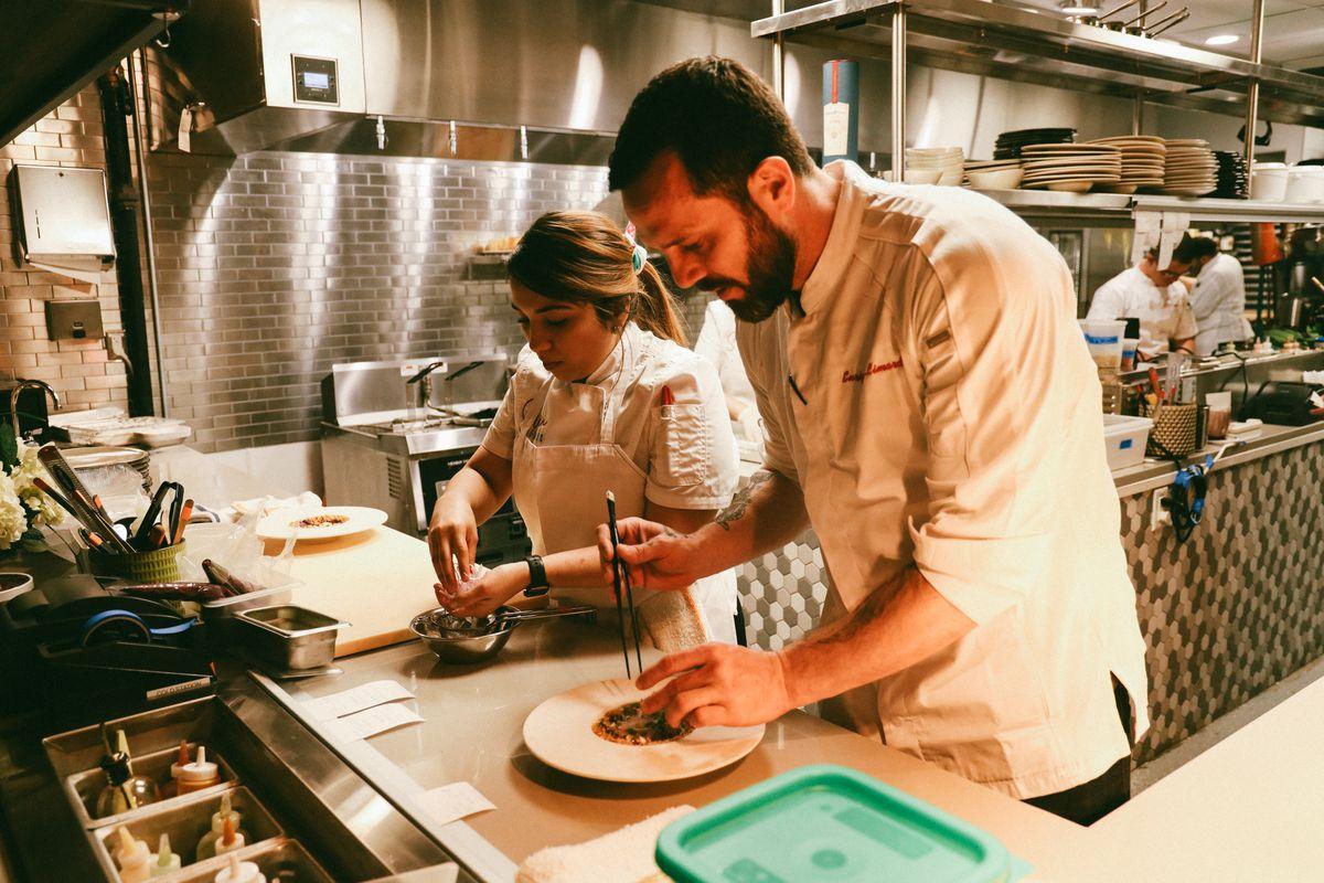 Restaurante de chef criollo fue elegido el mejor de Washington