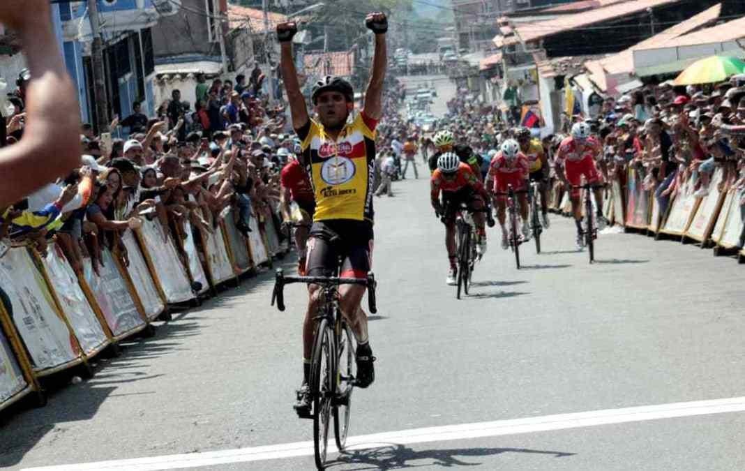 Jimmy Briceño asaltó el liderato de la Vuelta al Táchira